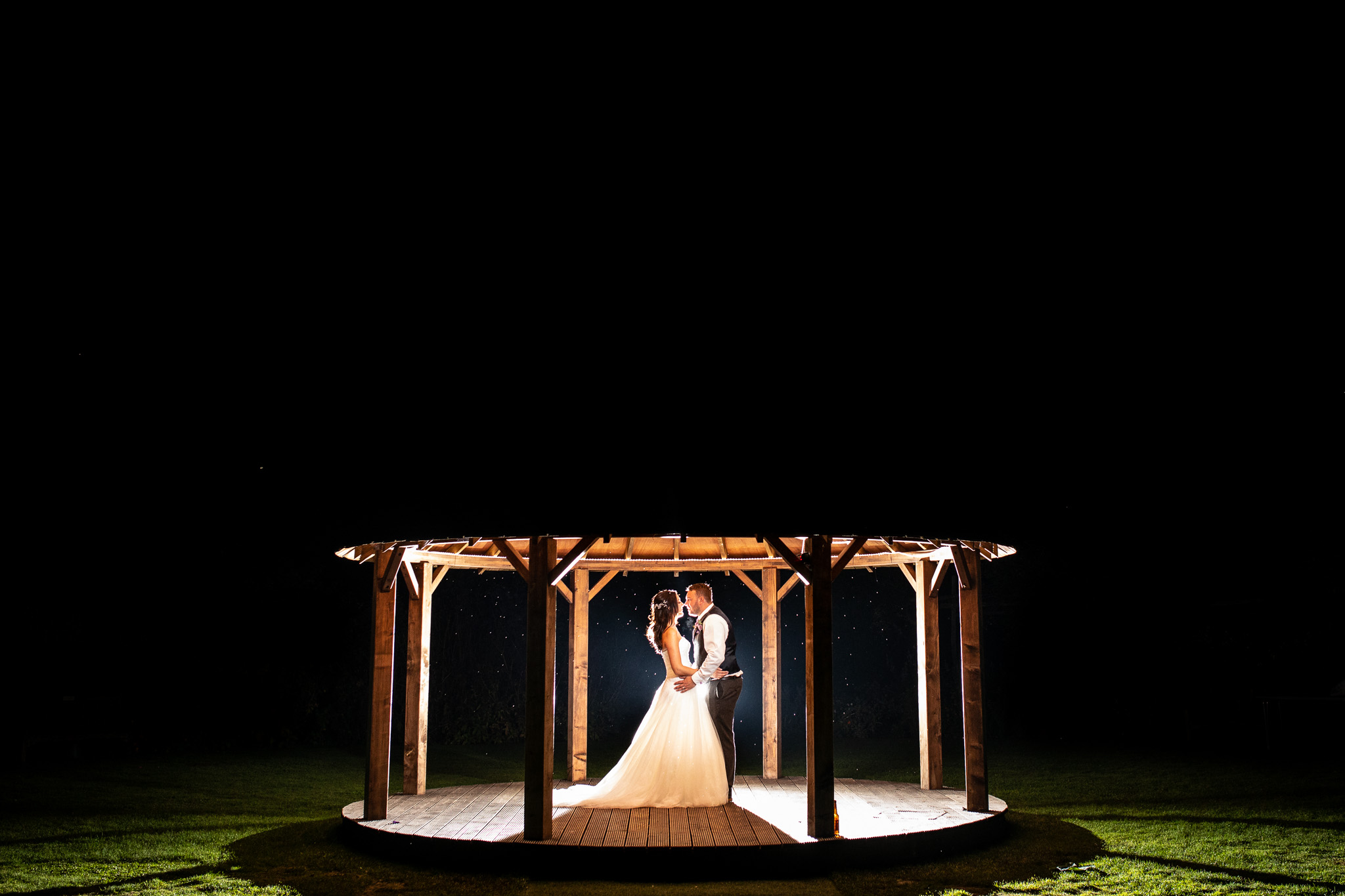 Kent wedding photography after dark at gardens of yalding